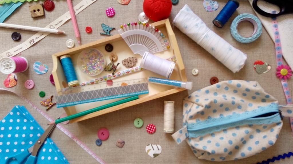ateliers de couture et de loisirs cr atifs pour enfants et adolescents professeur de couture. Black Bedroom Furniture Sets. Home Design Ideas