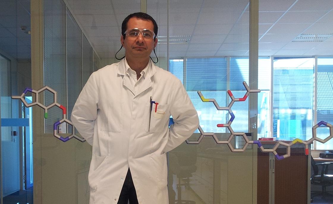 docteur en chimie organique en idf donne des cours en chimie